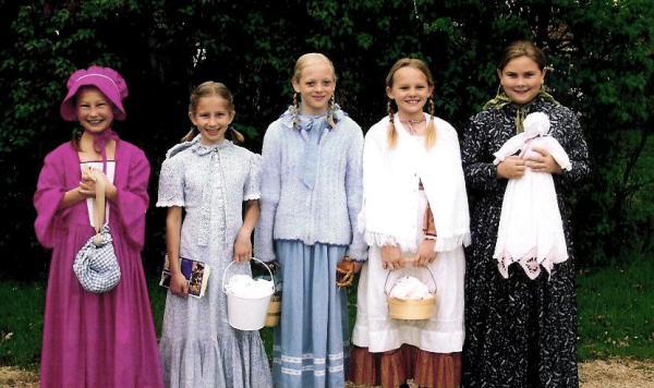 pioneer kids costume. pioneer girls kids costume
